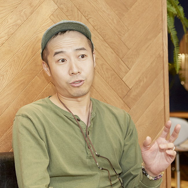 鎌倉のデザイン事務所クスクスがデザインした美容室アイアムのオーナー