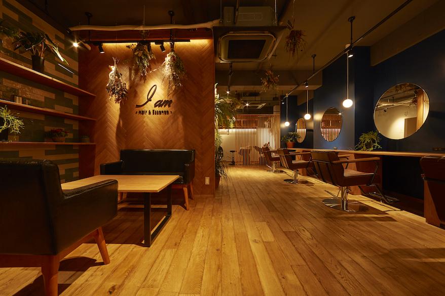 鎌倉のデザイン事務所クスクスが設計した学外前の美容室アイアム